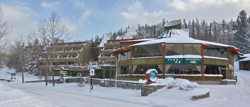100_Inns_of_Banff_Winter.jpg
